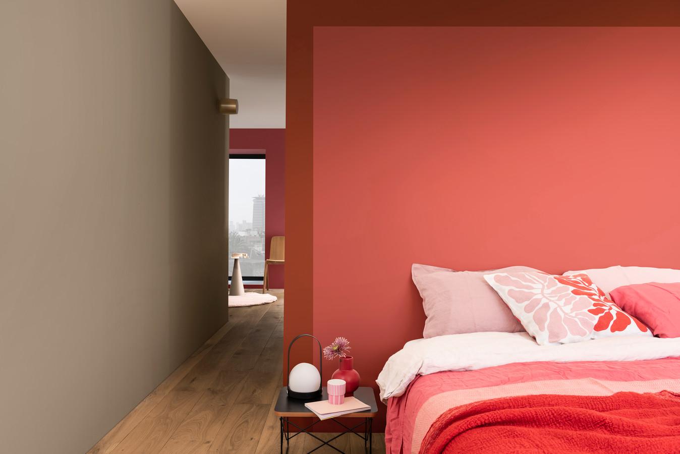 Wil je een nieuwe kleur voor een muur, neem dan spullen mee die zich al in de ruimte bevinden.