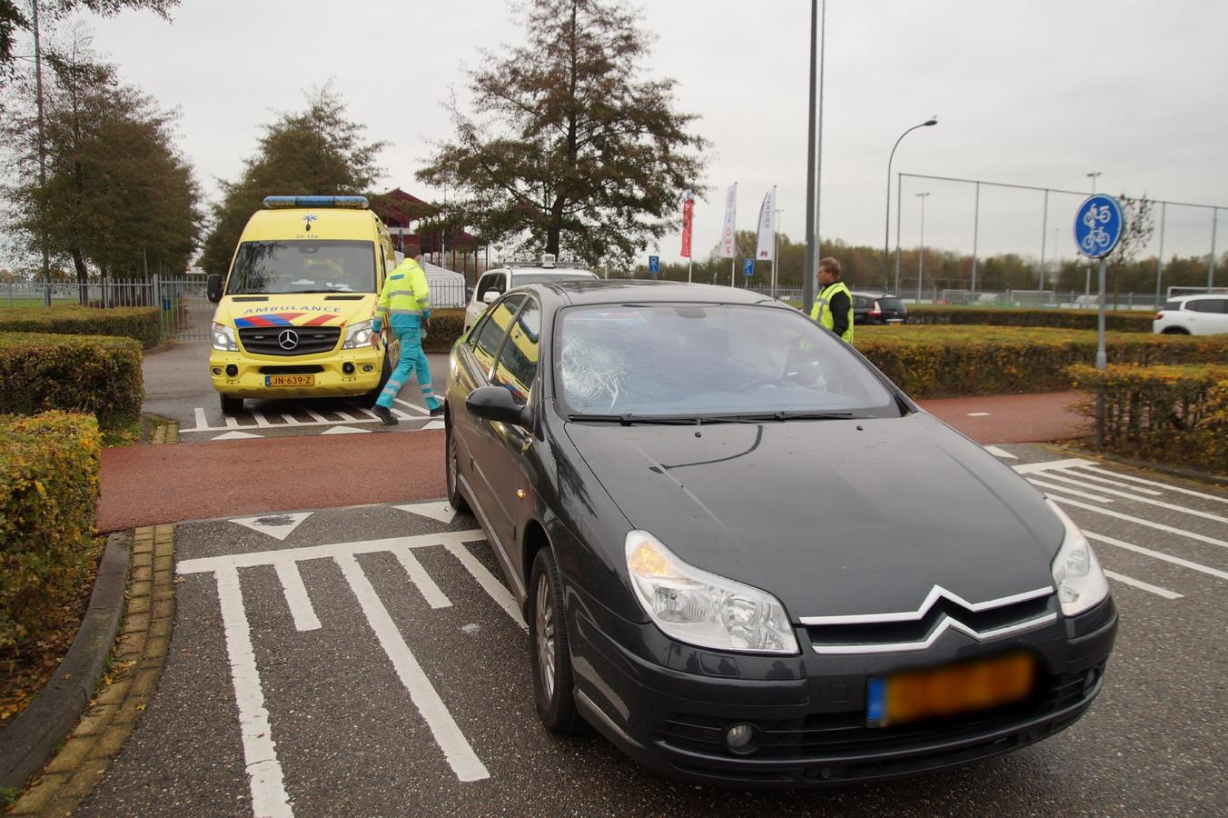 Scooterrijder gewond na ongeluk in Waalwijk.
