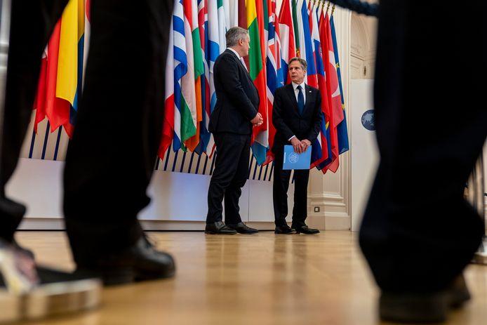 De Amerikaanse minister van Buitenlandse Zaken Antony Blinken (rechts) met de secretaris-generaal van de OESO, de Oostenrijker Mathias Cormann.