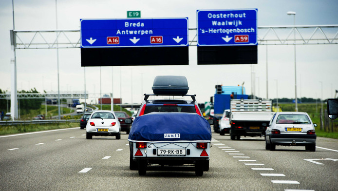 De A16 voorbij Rotterdam