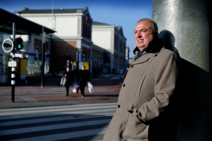 """Peter van der Velden vertrekt per 1 april noodgedwongen als burgemeester. ,,De intensieve werkzaamheden hebben negatieve impact op de regulatie van mijn diabetes."""""""