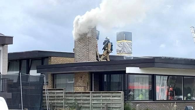 Veel rook bij schouwbrand in Rozenlaan