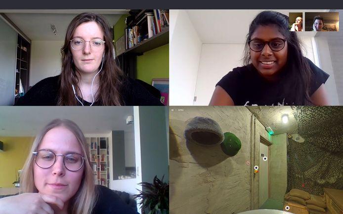 De deelnemers worden begeleid via Skype, en krijgen 360° beelden te zien van de kamer waarin ze vastzitten.