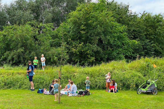 De gloednieuwe natuurspeeltuin TUIN9420 in Erpe is een schot in de roos bij jonge gezinnen.