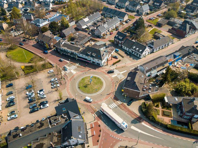De rotonde Wilhelminaplein in Heeze.