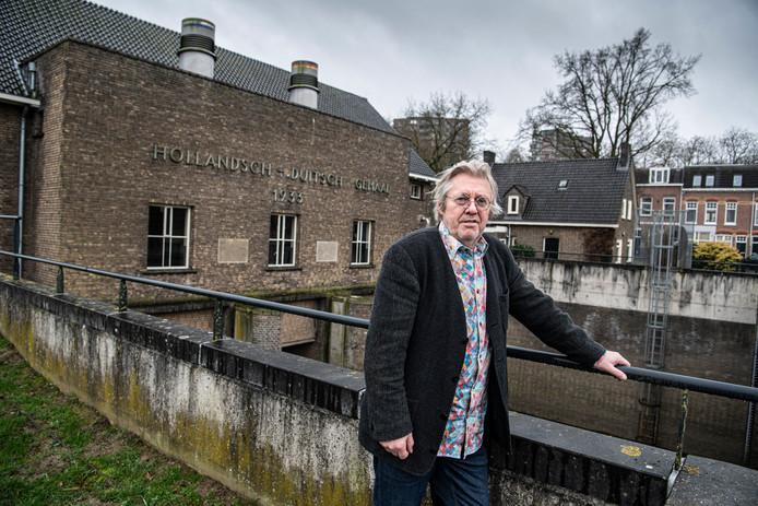 Wim van de Ven bij het Hollandsch-Duitsch gemaal.