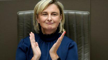 Het Laatste Woord. Waarom noemt Bart De Wever Hilde Crevits een chiromeisje? En wordt zij echt minister-president?