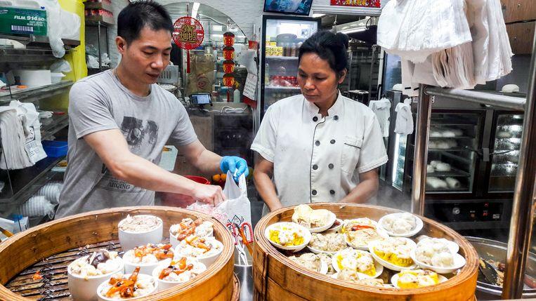 Takeaway in Wan Chai.  Beeld Nell Westerlaken