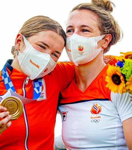 Smulders Sisters zijn nu 'Bronze Sisters': 'Het maakte me boos haar zo te zien'