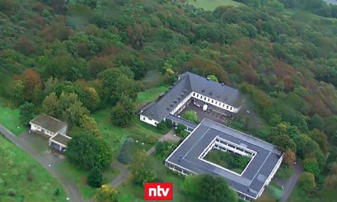 De cyberbunker bevond zich onder dit voormalige complex van het Duitse leger