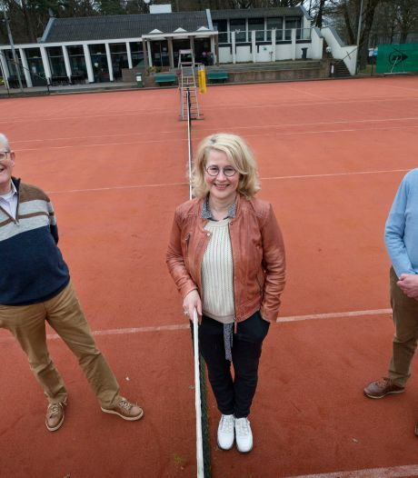 Leden van eerste uur over 50 jaar OTC De Warande: 'Tennis houdt ons jong'