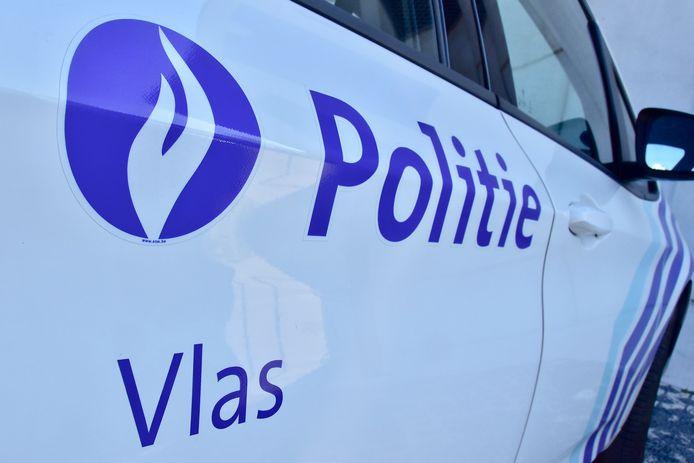De politie van de zone Vlas kwam tijdens de kerstnacht tussen in een verboden familiebijeenkomst langs de Brugsesteenweg in Kortrijk.