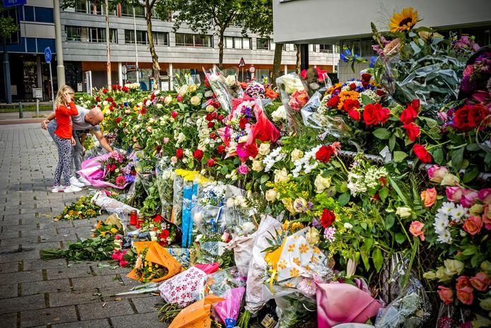 De bloemenzee aan de Jongkindstraat in Rotterdam.
