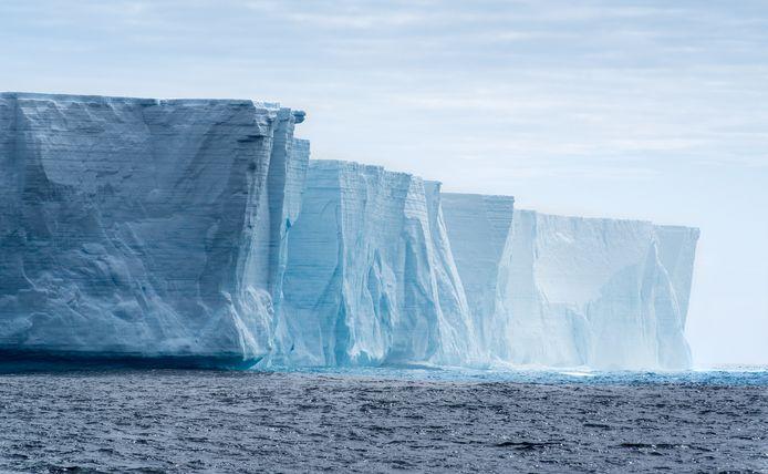 De Brunt-ijsplaat aan de noordwestkust van Antarctica.