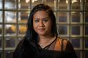 Sunita Biharie, fractievoorzitter van de SP in Apeldoorn, gaat in gesprek met jongeren om hun geluid een podium te geven. ,,De kloof tussen de politiek en de jeugd is te groot.''