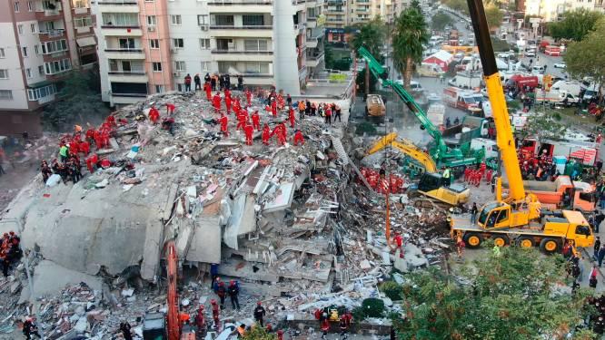 Al 49 doden en bijna 900 gewonden na aardbeving vlakbij Turkse stad Izmir: reddingswerkers zoeken nog steeds naar overlevenden