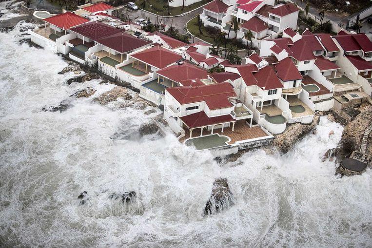 2017-09-06 22:02:14 PHILIPSBURG - Luchtfotografie van de schade op Sint-Maarten van orkaan Irma. De NH90 helikopter van Zr. Ms. Zeeland een eerste verkenningsvlucht gevlogen over de eilanden Saba, Sint Eustatius en Sint Maarten. ANP HANDOUTS MINISTERIE VAN DEFENSIE / GERBEN VAN ES **NO ARCHIVE, NO SALE, EDITORIAL USE ONLY** Beeld ANP Handouts