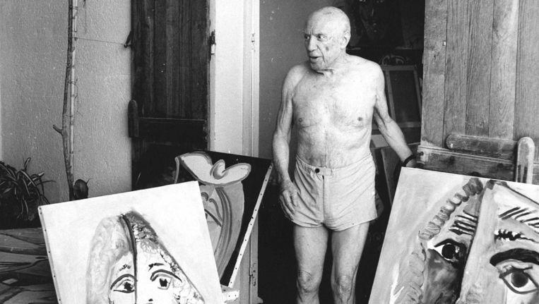 Pablo Picasso in zijn villa in Mougins. Beeld anp
