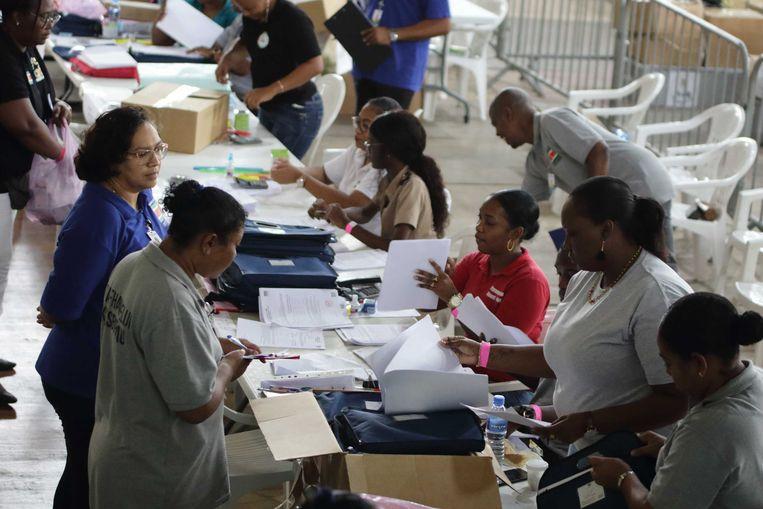 Stemmen tellen op het hoofdstembureau. Beeld ANP
