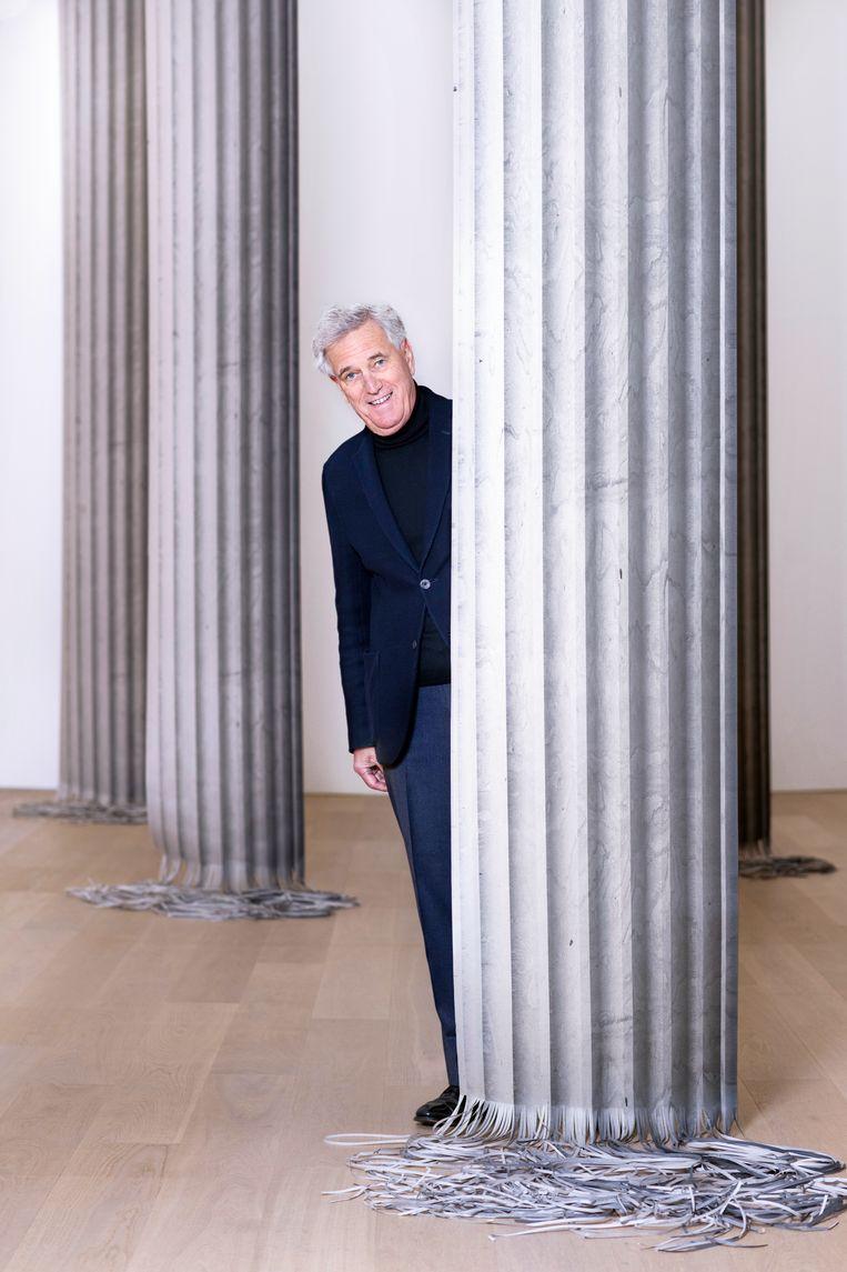 Joop van Caldenborgh in de door hem samengestelde tentoonstelling 'Listen to Your Eyes' in Museum Voorlinden in Wassenaar.  Beeld Els Zweerink