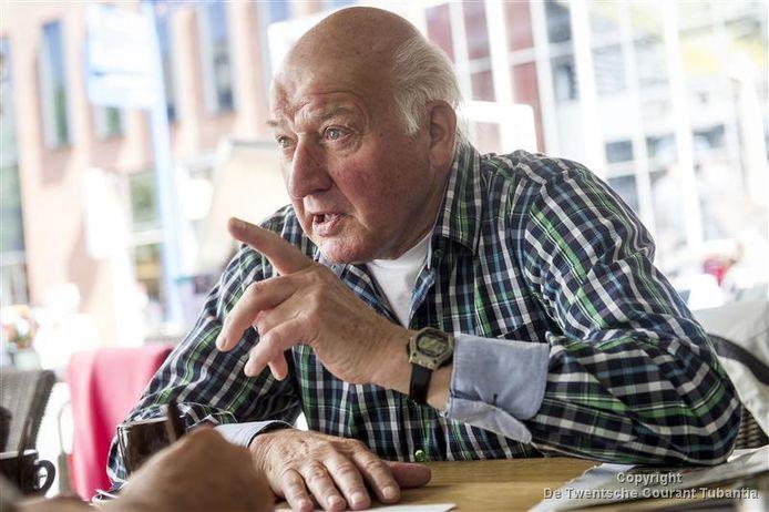 """Geerhard Post is na 55 jaar gestopt als scheidsrechter in het regionale amateurvoetbal. """"Gezondheid staat voorop, maar het is heel jammer dat het voorbij is."""""""