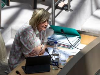 Vlaams minister Crevits roept om op meer afgedankte computers te recycleren