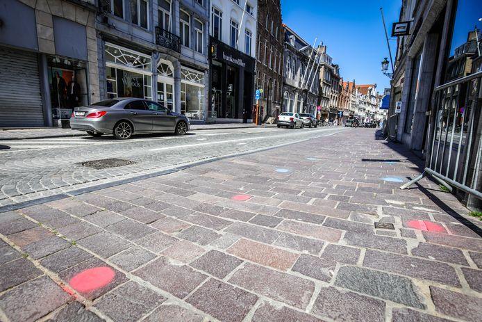 De vrouwen sloegen toe in de Brugse Steenstraat. (archiefbeeld)