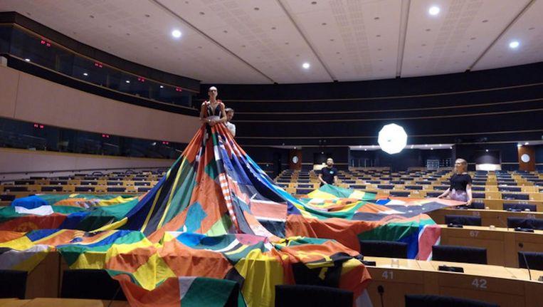 De Rainbow dress fleurt deze week het Europese Parlement op Beeld D66