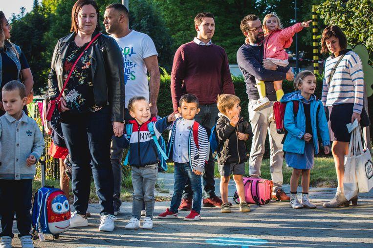 Sommige kinderen beginnen met een lach aan hun eerste schooldag...