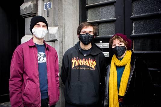 David, Gilles et Sarah faisaient partie des centaines d'étudiants qui sont venu chercher un colis solidaire ce vendredi.