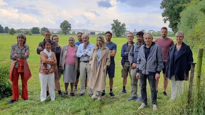 """Buren verzetten zich tegen geplande windturbines achter Duwijckpark: """"Zo'n project hoort niet thuis vlakbij woningen en natuurgebied"""""""