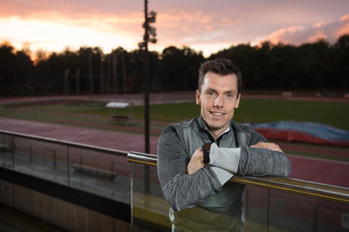 Voormalig topatleet Bram Som geeft training bij Prins Hendrik in Vught.
