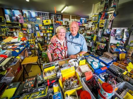 83-jarige 'Batterijenman' stopt na 43 jaar met de Weerselose markt