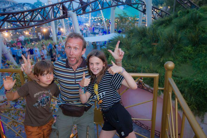 Dirk Van Vooren met kinderen Tuur en Anna.