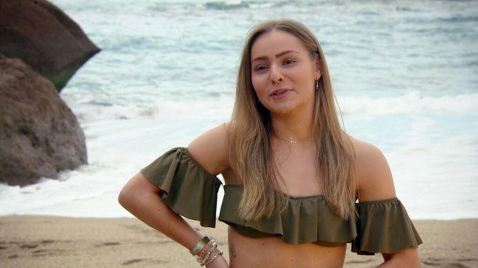 'Ex on the Beach: Double Dutch': kandidate Sem. Tijdens haar deelname aan het programma kon ze niet weerstaan aan de 'charmes' van haar ex, Dusty.