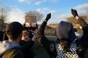 Archiefbeeld demonstratie Pegida en DTG tegen gebedsoproep moskee