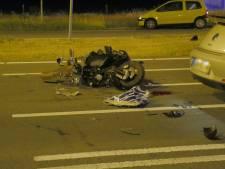 Scooterrijder in ziekenhuis na aanrijding in Enschede