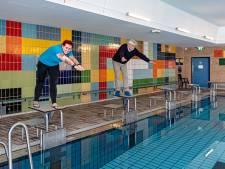 Bespiegelingen aan de rand van het bad: 'Waarom niet een nieuw zwembad in Hoogland-West?'