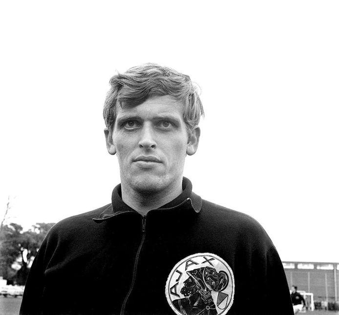 Piet Keizer in het jack dat Ajax begin jaren 70 droeg.