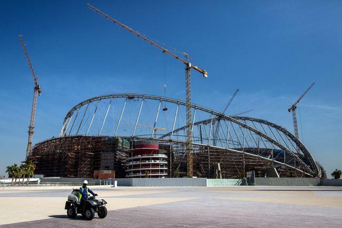 Een van de WK-stadions in Qatar in opbouw, enkele jaren geleden.