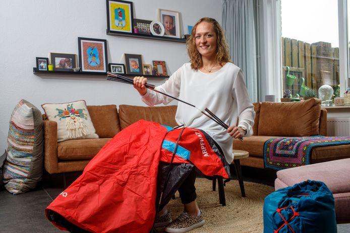 De Schaijkse ic-verpleegkundige Irene de Kroon gaat kamperen.