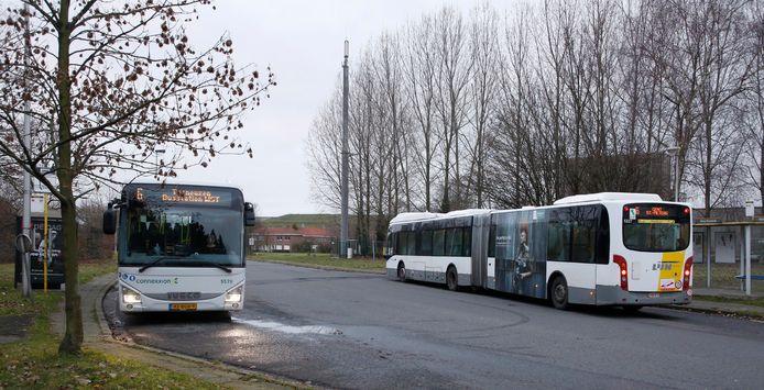Overstapplaats lijn 6 uit Terneuzen/Sluiskil/Sas van Gent op lijn 55 naar Gent in de Zelzaatse wijk Klein Rusland.