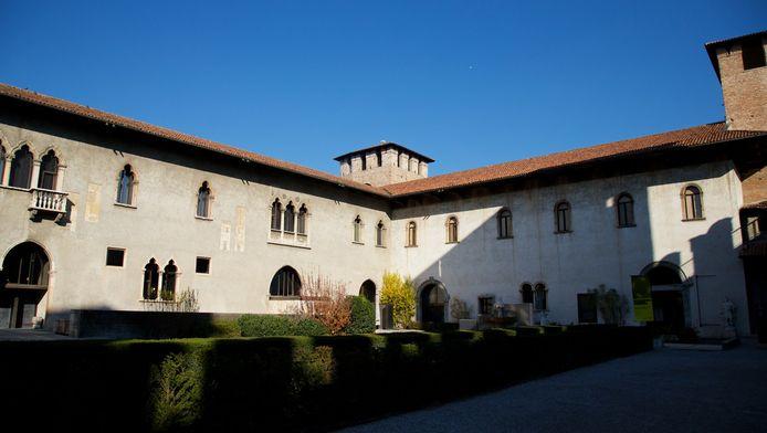De dieven sloegen hun slag in het eeuwenoude kasteel Castelvecchio, dat nu onder meer het gemeentelijk museum herbergt