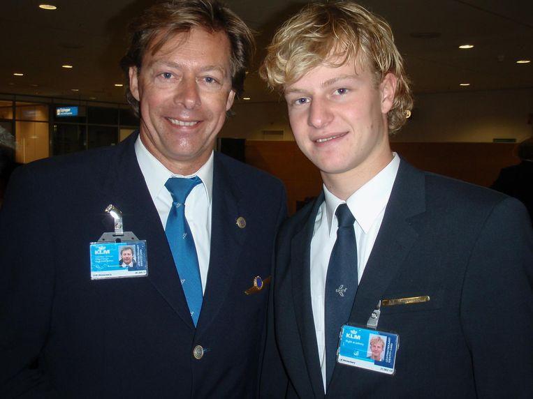 Lucas met vader Erik Westenberg op Schiphol Beeld Privéfoto fam. Westenberg