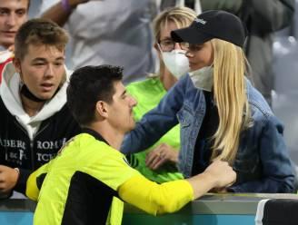 """Courtois zoekt na nederlaag troost bij vriendin: """"Net niet, het is een beetje het verhaal van vandaag"""""""