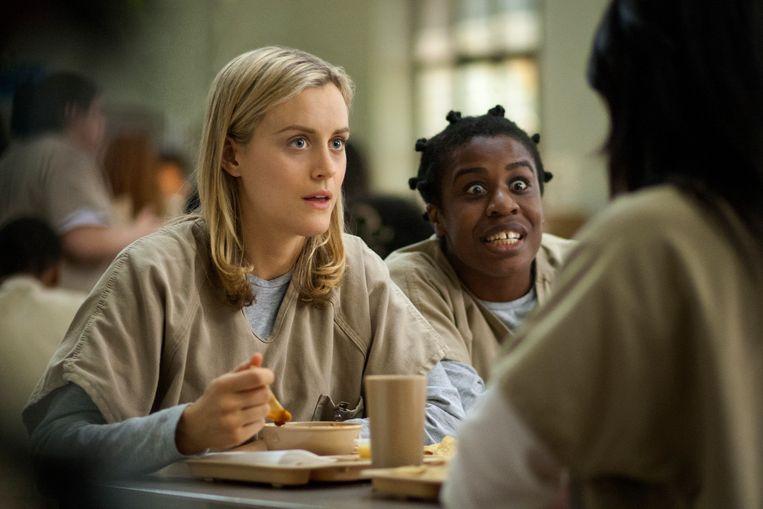 Taylor Schilling en Uzo Aduba in 'Orange is the New Black'. Beeld AP