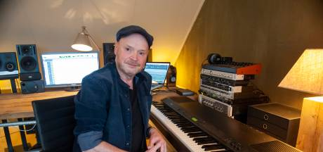 Wie is toch die Bossche toetsenist naast tout bekend Nederland? Da's Bas!