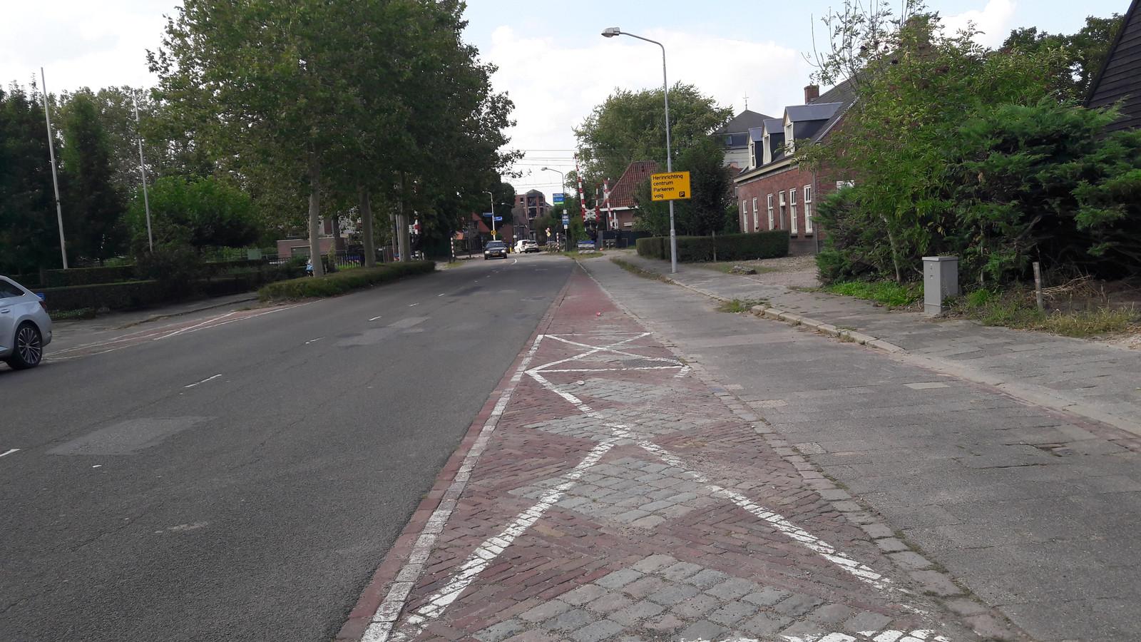 De Hazeldonkse Zandweg in Zevenbergen gaat volgend jaar op de schop.