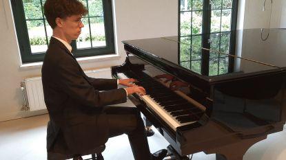 Pianist Simon Thielens (20) speelt concert via livestream, cultuurschepen is grote fan