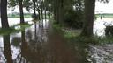 De Rulstraat in Megen staat voor het grootste deel onder water.